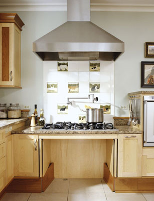 Home design tips adding accessibility to a kitchen for Kitchen design for wheelchair user