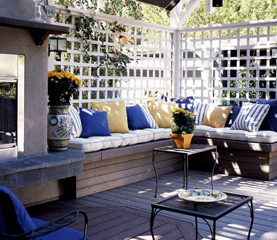 Home design tips plan your dream deck for Small deck seating ideas