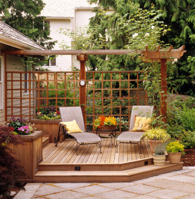 Home design tips plan your dream deck for Creating privacy on patio
