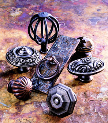 Picture of different styles of door knobs and handles