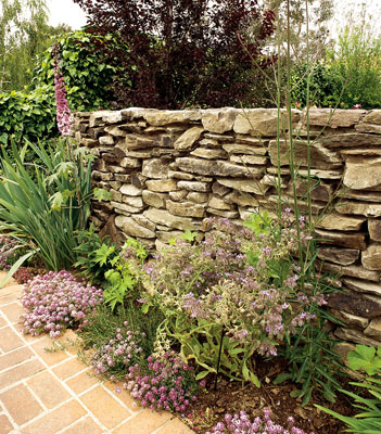 A dry stack retaining wall
